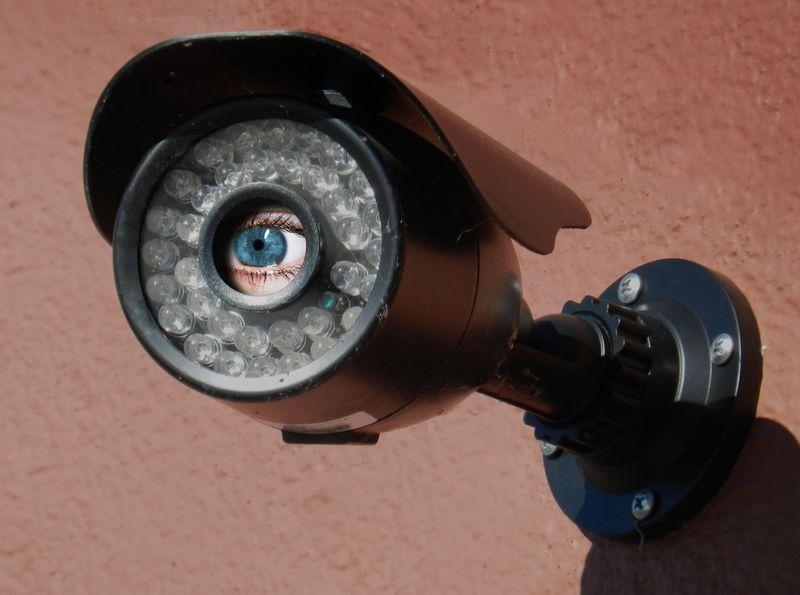 Camera_with_eye